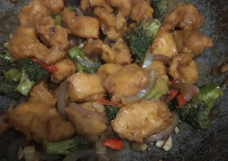 Ayam brokoli lada hitam