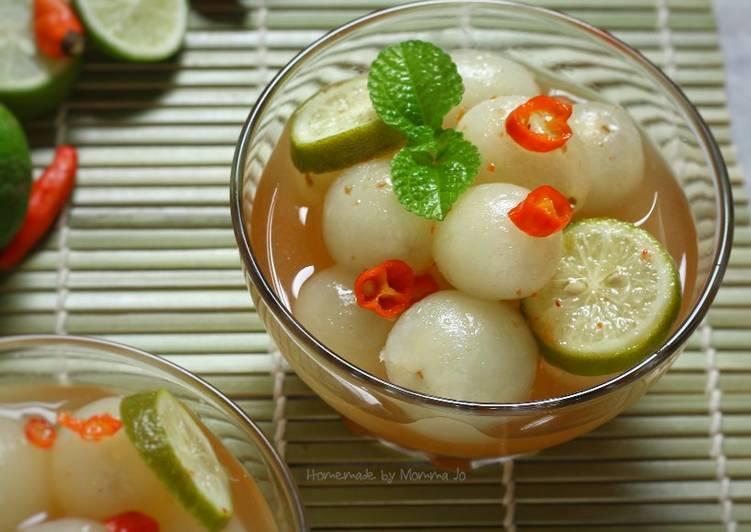 Asinan Rambutan (dengan cuka beras)