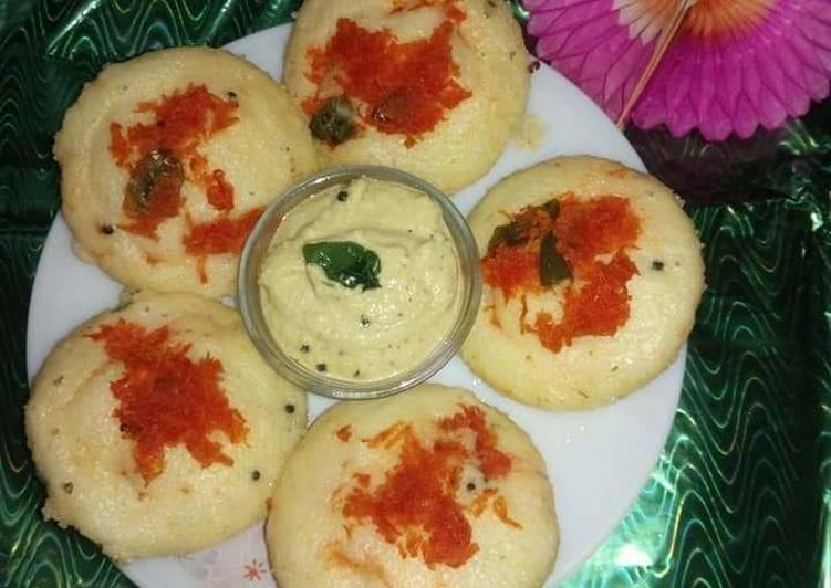 10 Minute Steps to Make Vegan Semolina/suji Idli