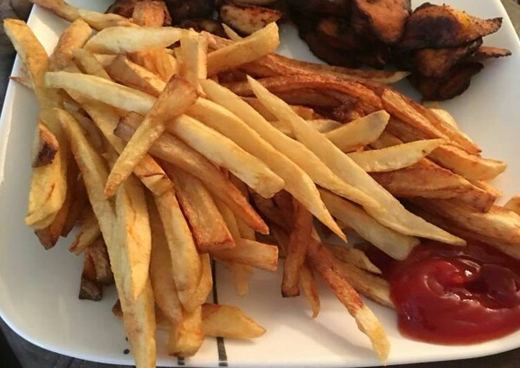Recipe of Perfect Fries and shrimp sauce