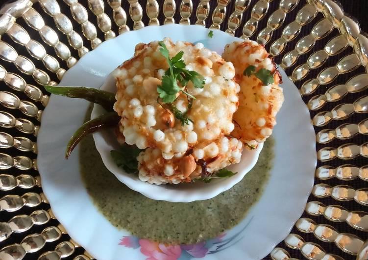 Step-by-Step Guide to Make Award-winning Sabudana wada with pudina chutney