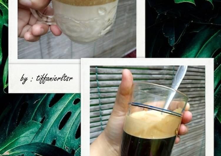 Dalgona Coffee Singkat (gurih mantap)