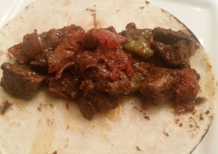 Recipe of Quick Steak, Green Pepper, & Tomato Tacos