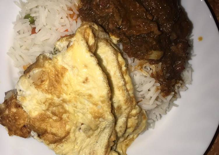 Recipe of Award-winning Vegetable white rice and stew with egg
