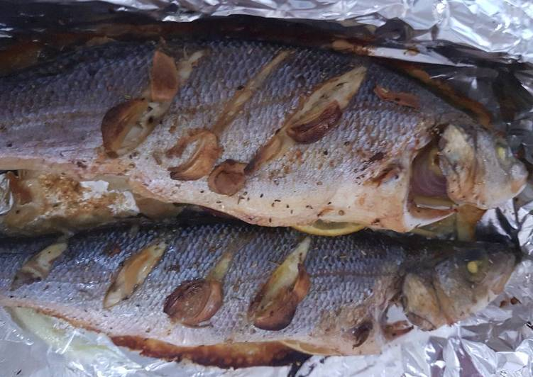 How to Prepare Speedy Grilled Sea bass with lemon grass