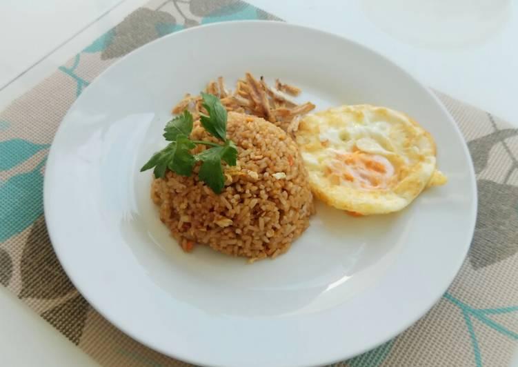 Nasi goreng ikan teri