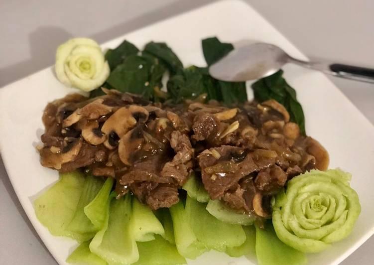 Pakchoy Beef champignon mushroom sauce