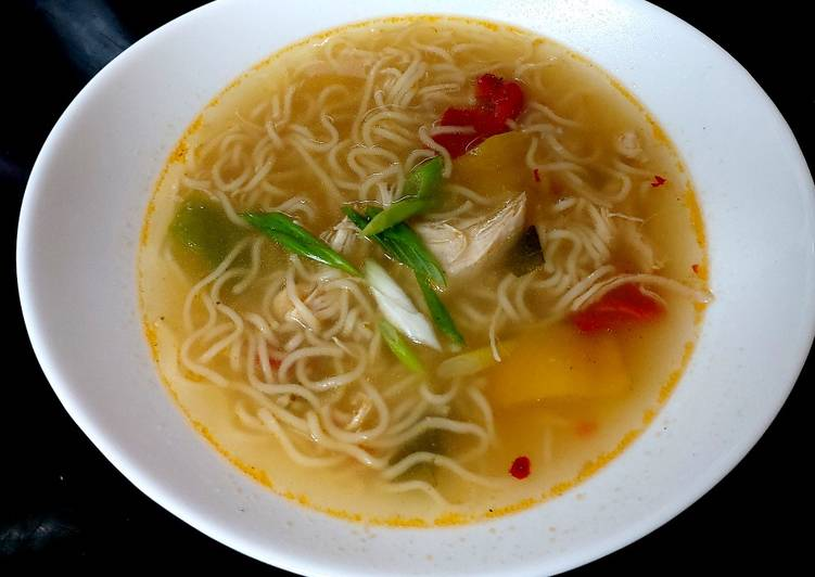 Recipe of Ultimate My Quick Chicken Chilli Noodle Soup 😘
