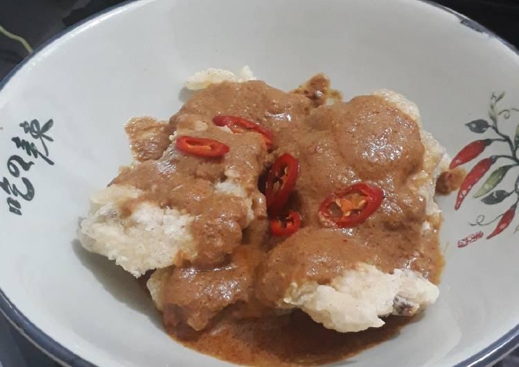 Cireng crispy sambal kacang
