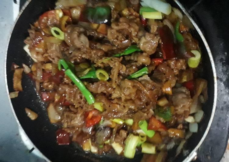 Tumis slice beef paprika