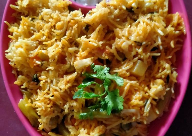 5 Minute Step-by-Step Guide to Make Quick Vegetable Biryani