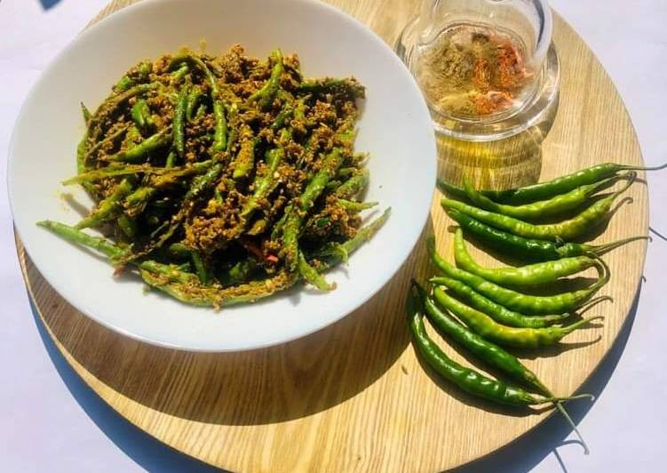 What is Dinner Easy Quick Green chilli Pickle
