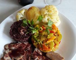 Solomillo de cerdo al horno con salsa de vino, mostaza y miel