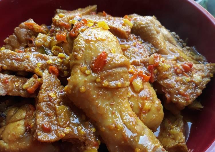 Resep Ayam Pedas Bumbu Jawa oleh Mega Ria - Cookpad