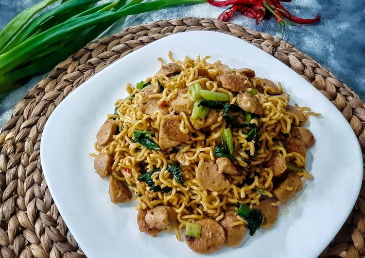 Mie goreng bakso simple