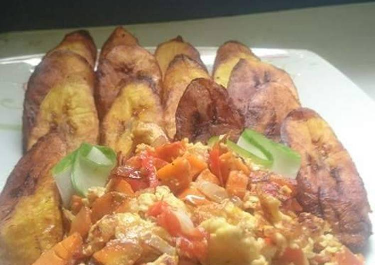 Fried plantain with fried eggs