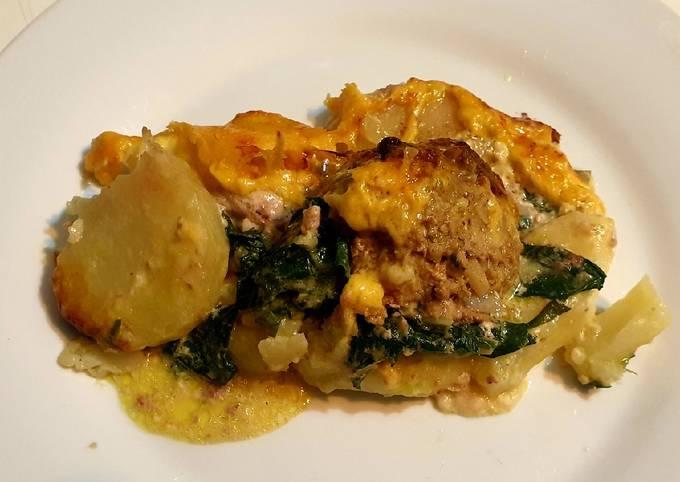 Cheesy Spinach, Meatball & Potato Bake