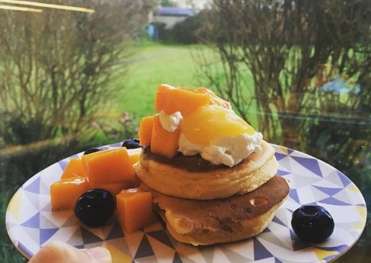 Fluffy fat-boy pancakes