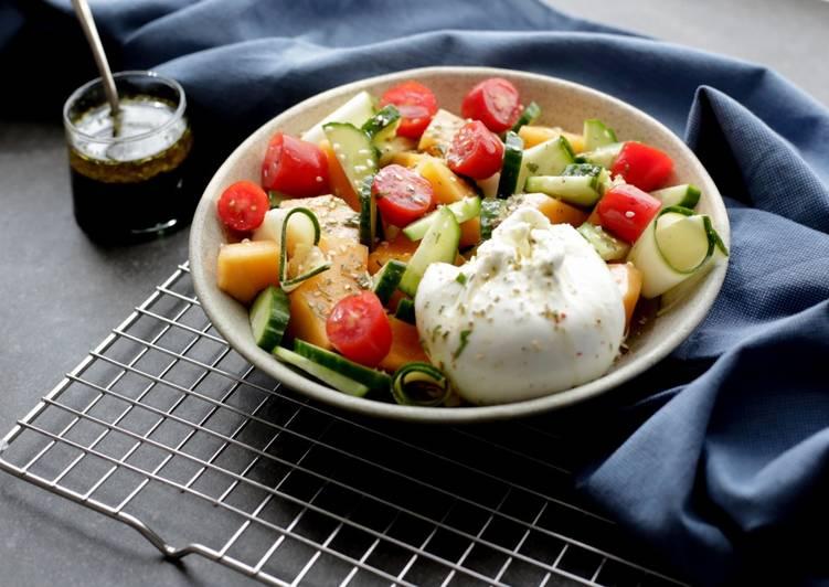 Salade de melon d'été et burrata