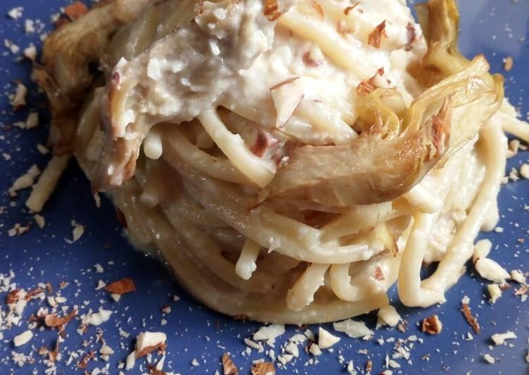 Spaghetti alla crema di toma Maccagno, carciofi e mandorle