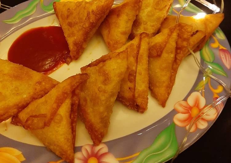 Bbq chicken samosas