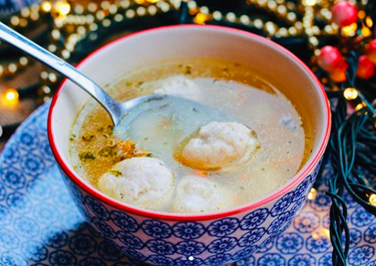 Easiest Way to Make Appetizing Soup with chicken meatballs