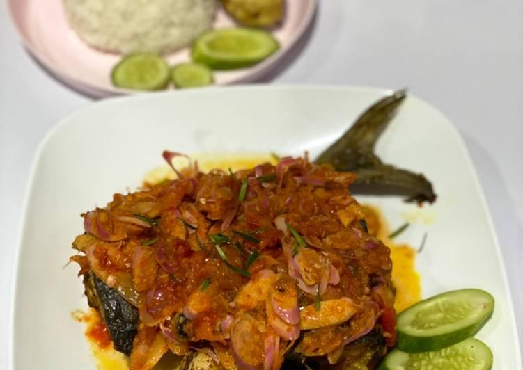 Ikan Kue Goreng Sambal Kecombrang