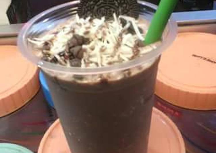 Milkshake coklat cookies extra keju