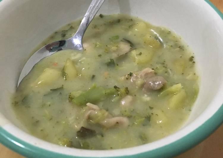 Royco Sup Krim Ayam dengan Kukus Brokoli dan Kentang