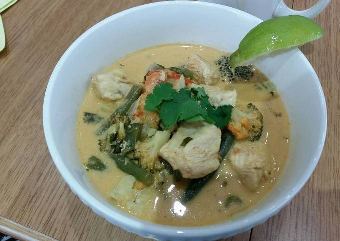 How to Prepare Tasty Chicken Curry Soup
