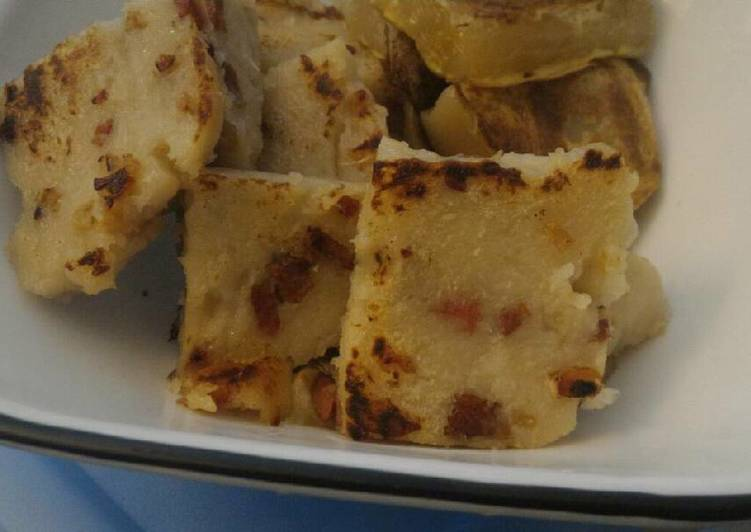Step-by-Step Guide to Make Any-night-of-the-week Chinese Daikon (Turnip) Cake (蘿蔔糕)