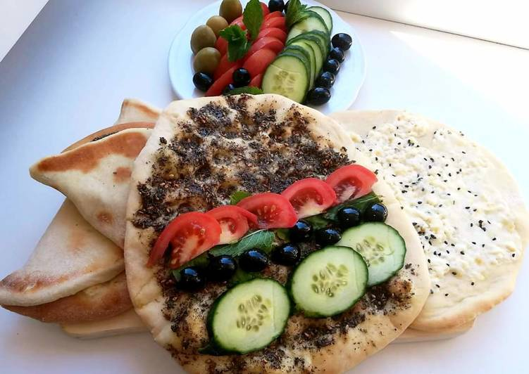 Lebanese_flat_bread_with_cheese_or_zaatar #Manoushe