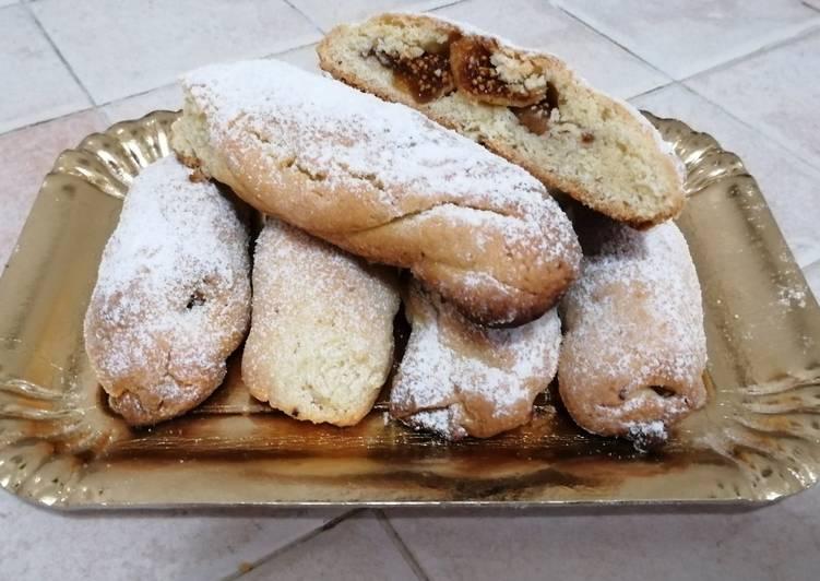 Biscotti di frolla con fichi secchi