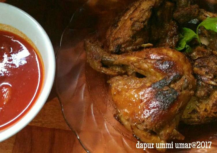 Ayam panggang bumbu Padang + sambalado asam