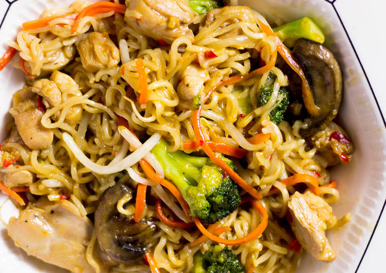 Quick Ramen Noodles Stir Fry