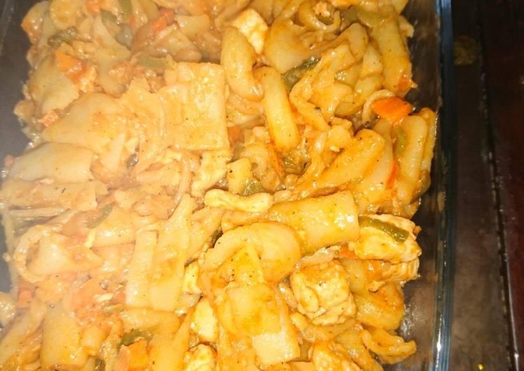 Simple Way to Prepare Favorite Pasta tomato sauce in chicken