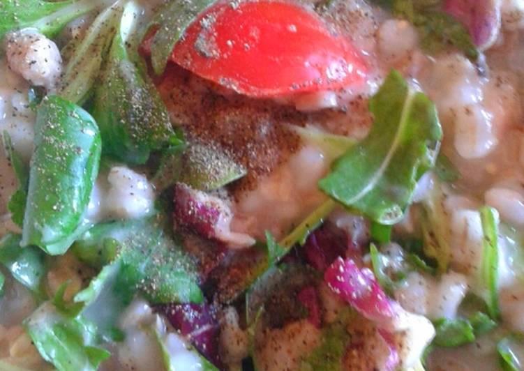 Ricetta light (Orzo, farro, tonno,rucola, pomodori, radicchio e pepe nero)