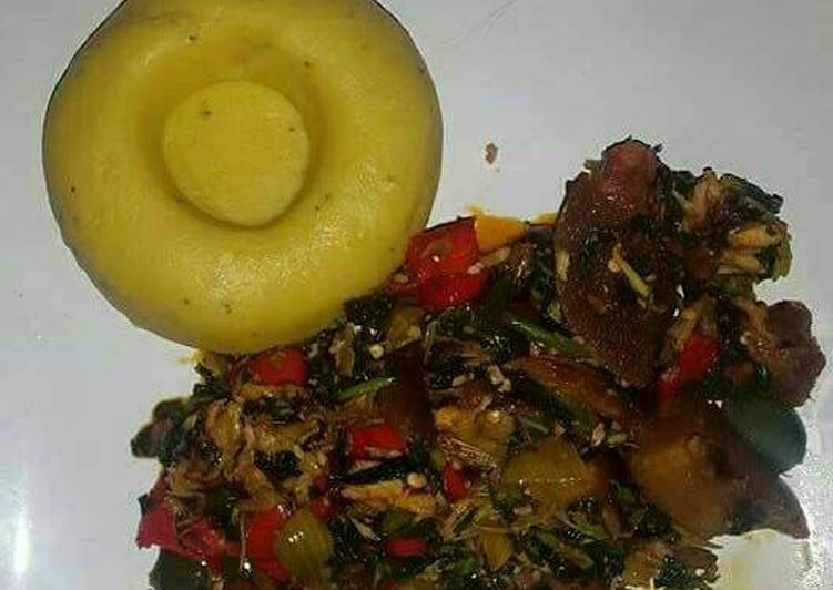 Recipe of Top-Rated Pounded unripe plantain with assorted meat and vegetable soup
