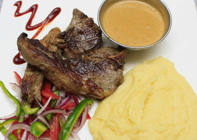 Grilled lamb, smashed potatoes and sauce