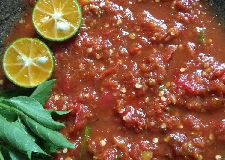 Resep Sambal tomat mentah yang Bisa Manjain Lidah  Resepmasakan