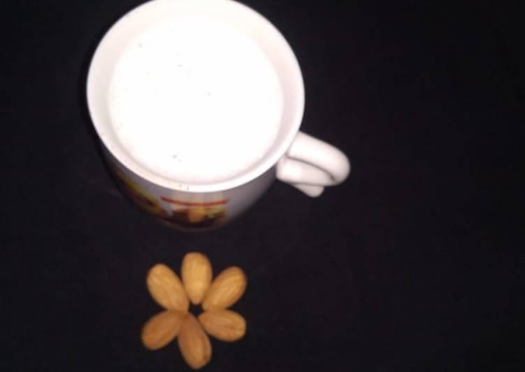 Honey Almonds Milk