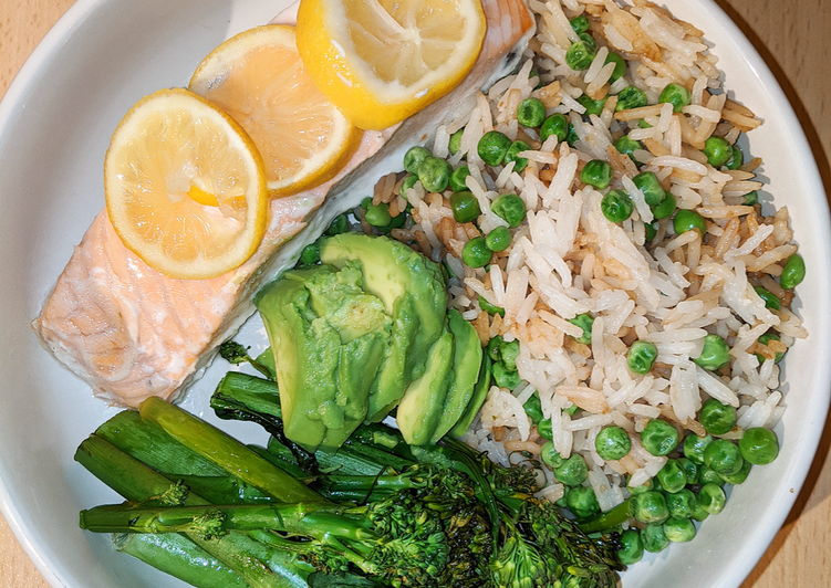 Lemon salmon with rice and tenderstem broccoli
