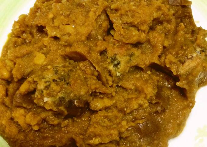 Ash-E-Anar (Split Peas And Pomegranate Soup With Meatballs)