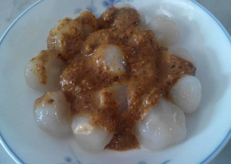 Cilok dadar sambal pecel