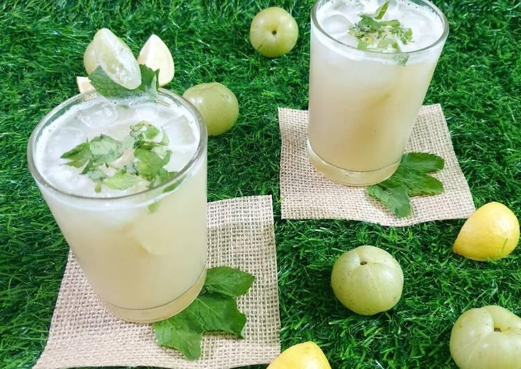 Gooseberry ginger mint juice
