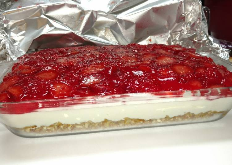 Simple Way to Make Ultimate Strawberry Pretzel Salad