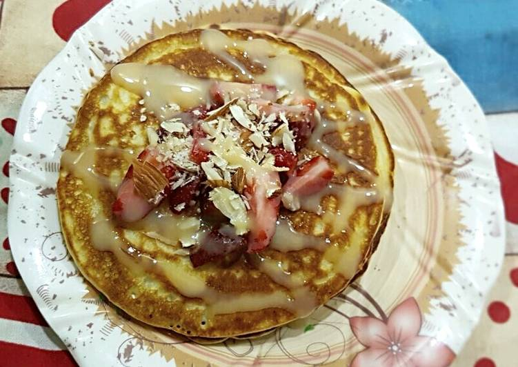 Recipe: Appetizing Strawberry Pancakes