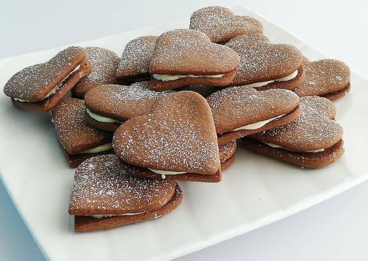 Biscuits coeur fourrés au chocolat blanc