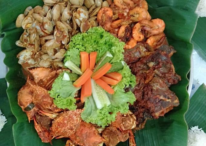 Shell Out Tray Home Made Paste