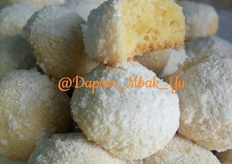 CHEESY SNOW BALL Aka. PUTRI SALJU KEJU